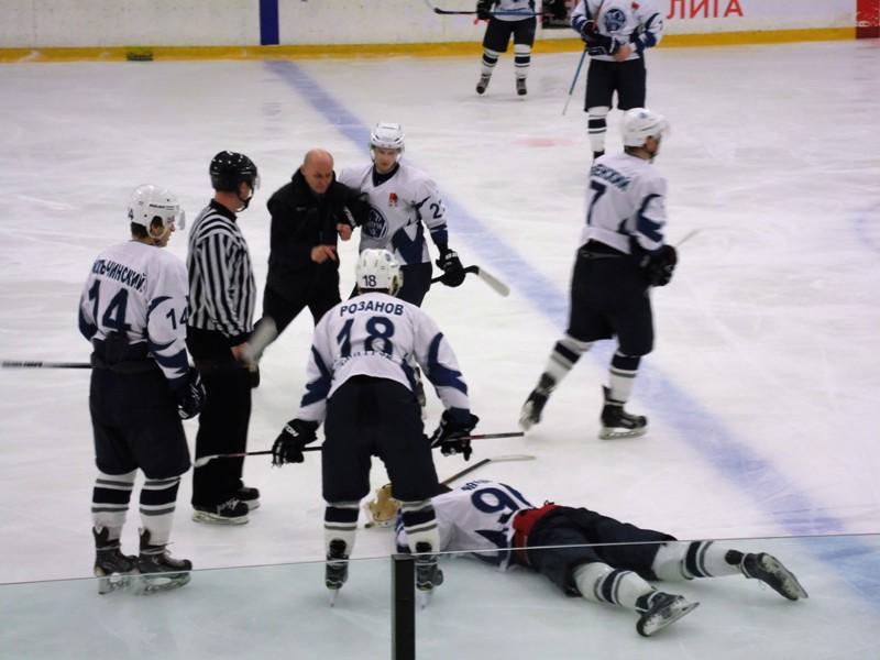 Хоккей: «Россошь» - «Дмитров» - 4:3