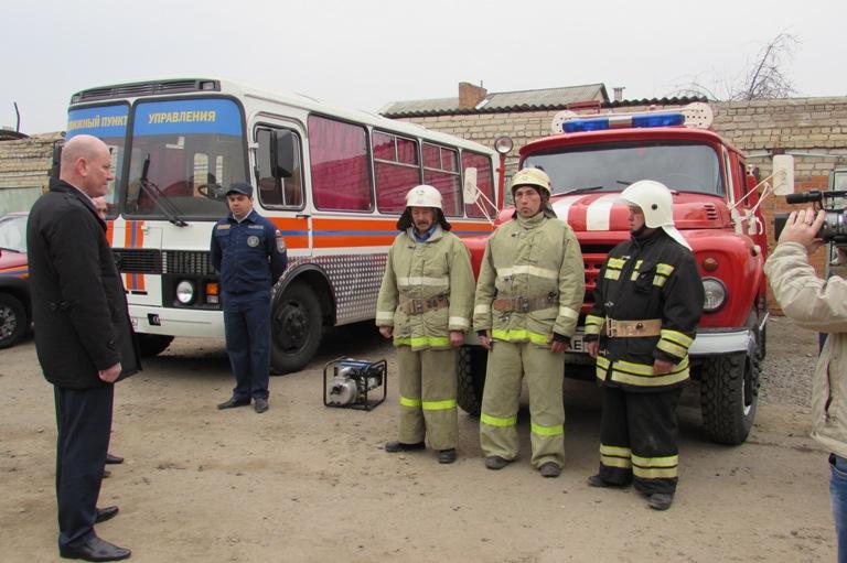 Смотр противопожарных формирований