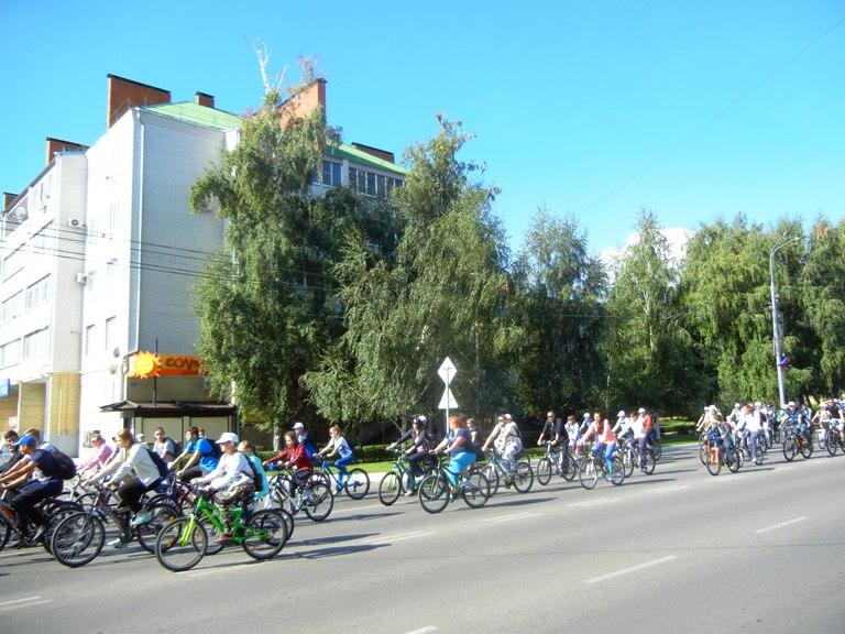 Россошанцы сели на велосипеды