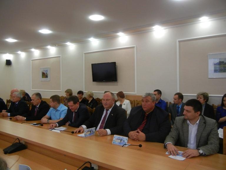 На сессии городского Совета народных депутатов