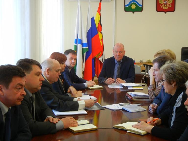 Глава администрации провел оперативные совещания