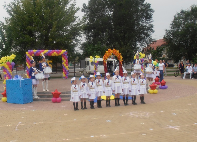 Дошколята посвятили парад Дню города