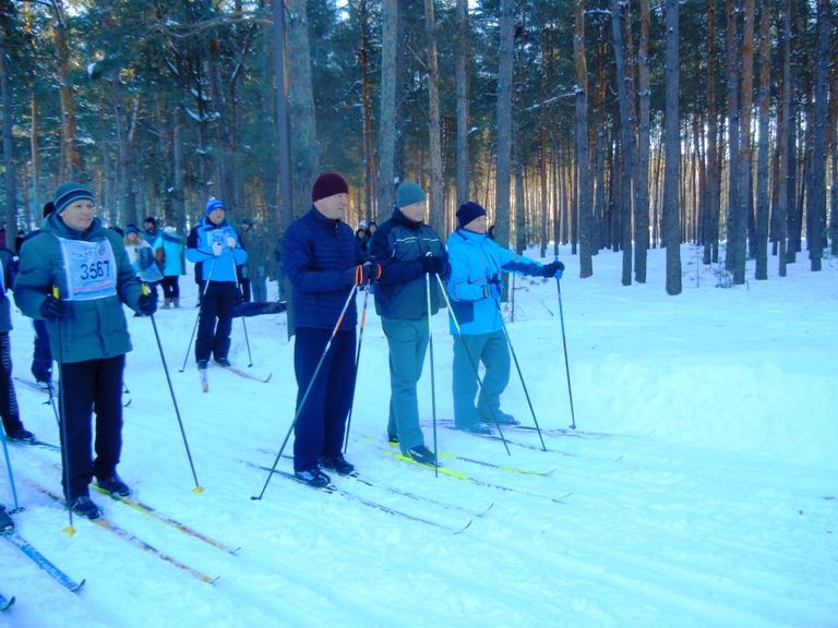 Бег на лыжах. Выполнить нормы ГТО